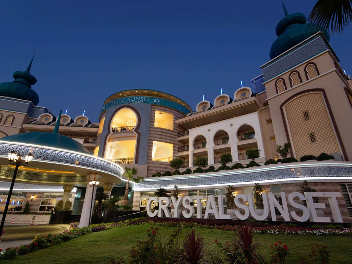 Crystal Sunset Luxury Resort / Antalya