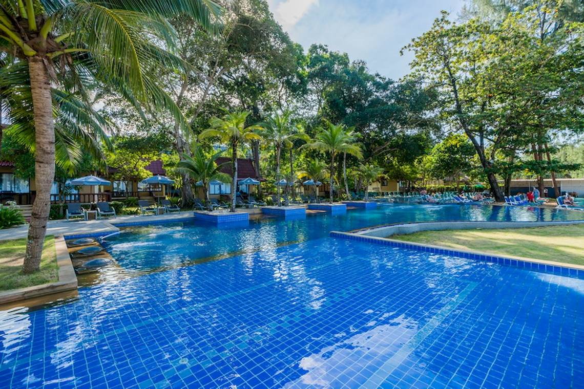 Emerald Beach Resort & Spa / Khao Lak