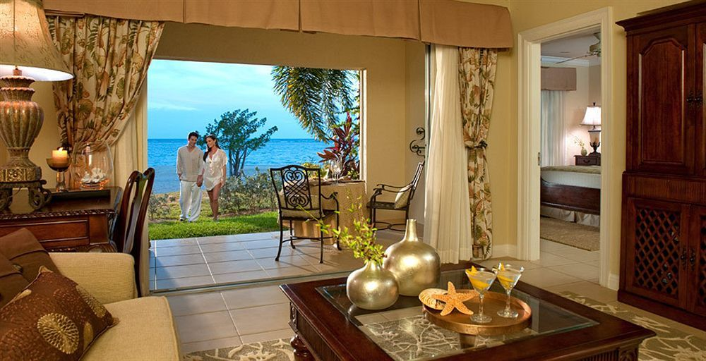 Sandals Whitehouse European Village & Spa / Jamaika