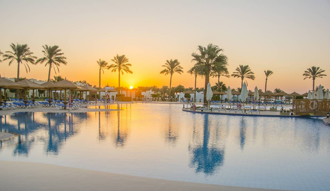 Sunrise Crystal Bay Resort / Hurghada