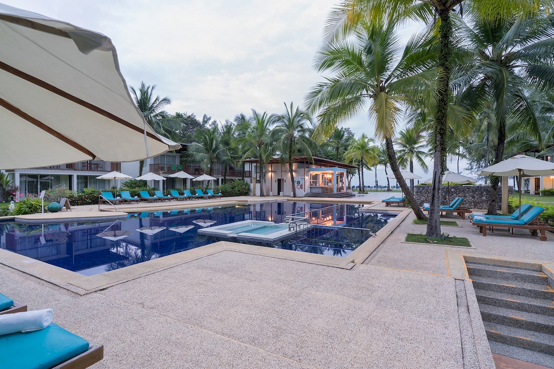 The Briza Beach Resort  / Khao Lak